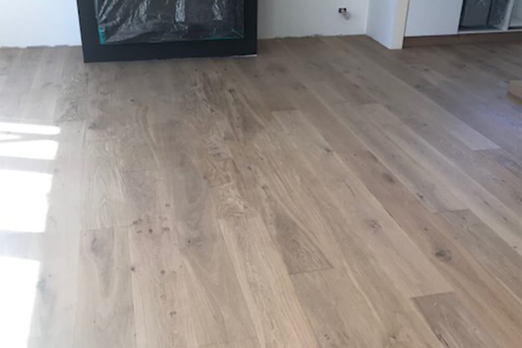 under laminate heating